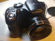 Продаю фотоаппарат Fujifilm FinePix S1800 HD в идеальном состоянии