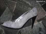Продам замшевые туфли  б/у