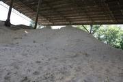 песок  в мешках и навалом