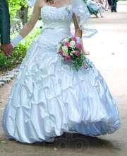 Продам  свадебное платье из атласа