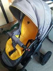 Продам практичную коляску Adamex Pajero ALU
