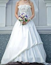 Свадебное платье S/M цвет айвори со шлейфом