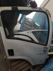 Двери  на грузовой автомобиль ISUZU NPR75,  NMR85,  NLR85,  NQR90